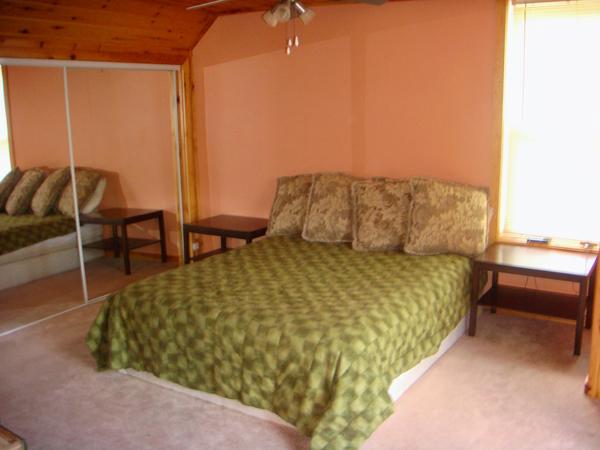 4 Bedroom 4 Season Cottage with Woodburning Fireplace
