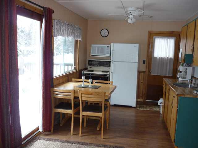 3 Bedroom Cottage with Wood Burning Fireplace